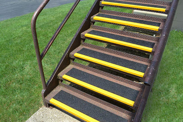 Grit-Coated Fiberglass Step Covers